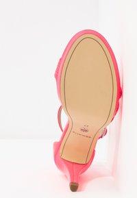 Tamaris - Sandalias de tacón - pink neon - 6