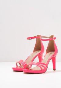 Tamaris - Sandalias de tacón - pink neon - 4
