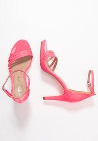 Tamaris - Sandalias de tacón - pink neon - 3