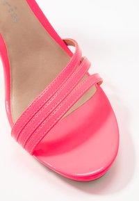 Tamaris - Sandalias de tacón - pink neon - 2