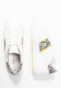 Tamaris - Sneakers laag - white/neon - 3