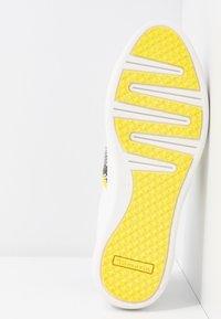 Tamaris - Sneakers laag - white/neon - 6