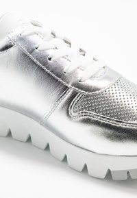 Tamaris - LACE-UP - Trainers - silver/white - 6