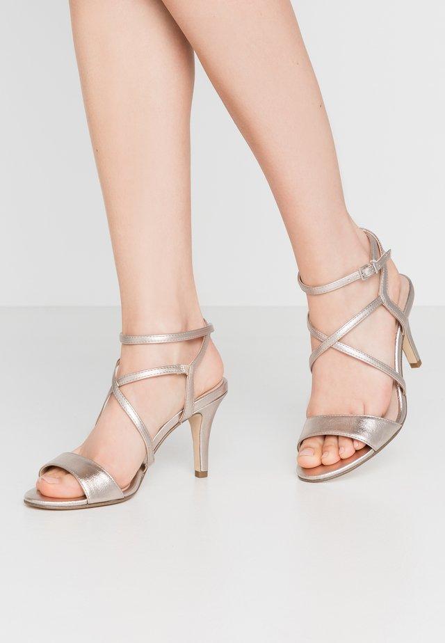 Sandalen met hoge hak - light gold