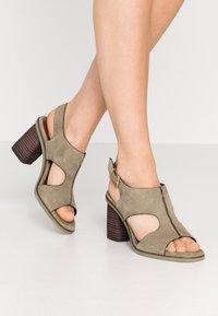 Tamaris - High Heel Sandalette - light olive - 0