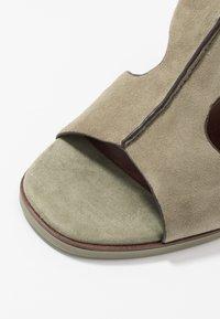 Tamaris - High Heel Sandalette - light olive - 2