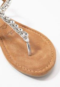Tamaris - Sandály s odděleným palcem - silver - 2
