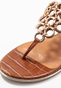 Tamaris - T-bar sandals - brandy - 2