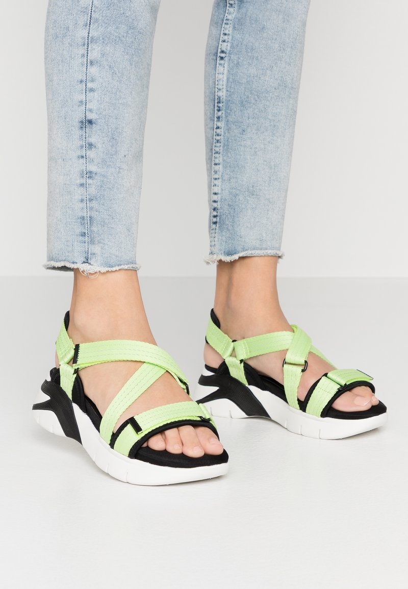 Tamaris - WOMS SANDALS - Wedge sandals - lime neon