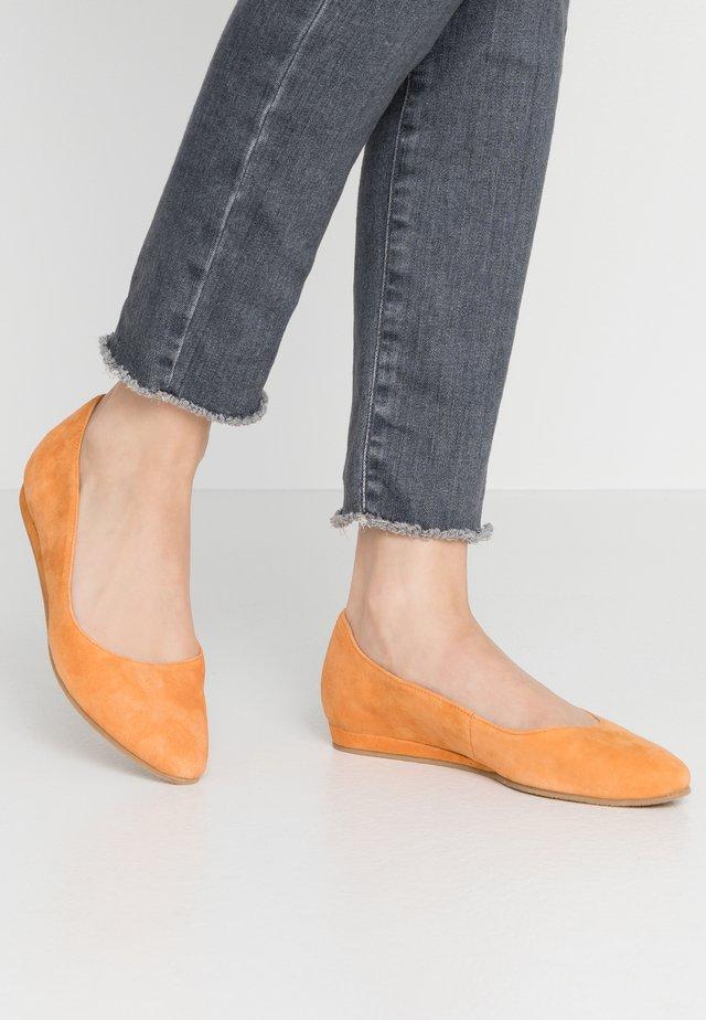 Klassischer  Ballerina - orange