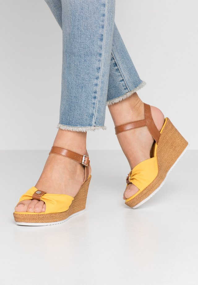 Sandalen met plateauzool - sun/cognac