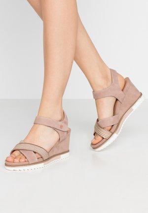 Platform sandals - old rose