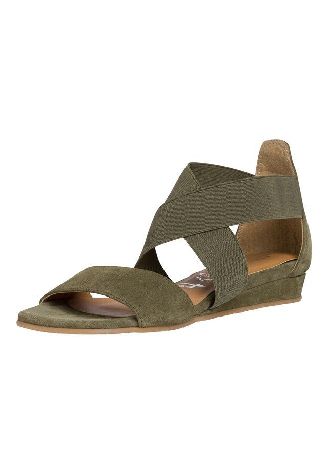 Sandalen met sleehak - green