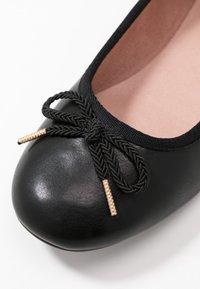 Tamaris - Ballet pumps - black matt - 2