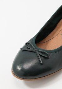 Tamaris - WOMS  - Ballet pumps - bottle - 2