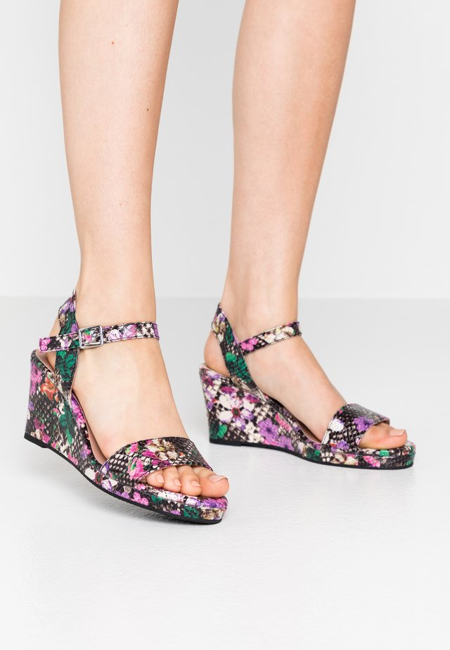 Sandalen met plateauzool - multicolor