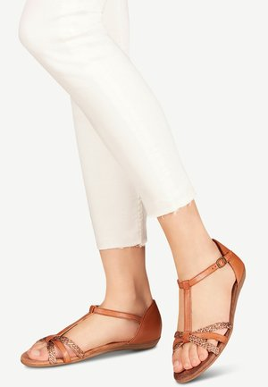 TAMARIS SANDALE - Sandals - nut