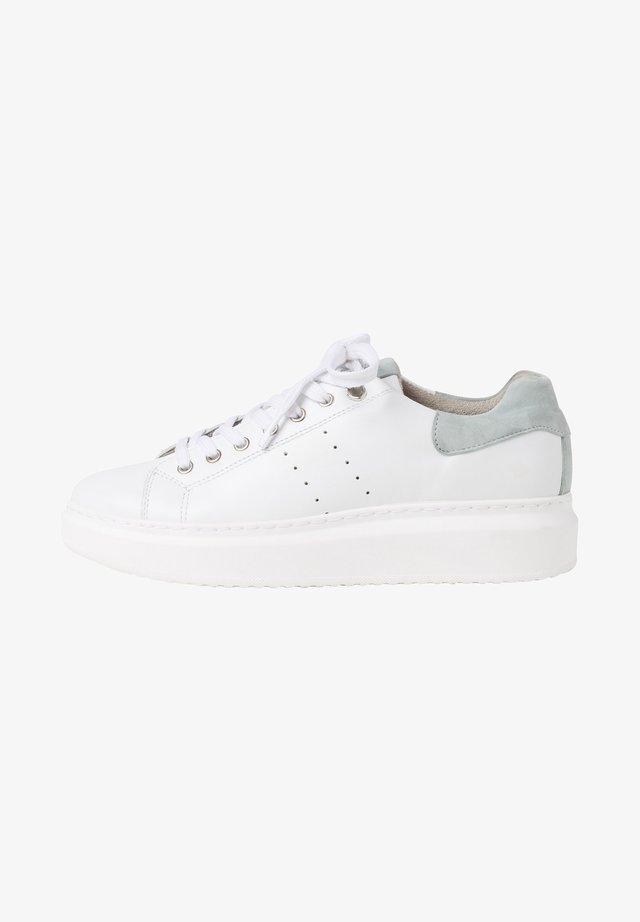 TAMARIS SNEAKER - Sneakers laag - wht/sage grey