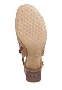 Tamaris - TAMARIS SANDALETTE - Ankle cuff sandals - cognac - 4
