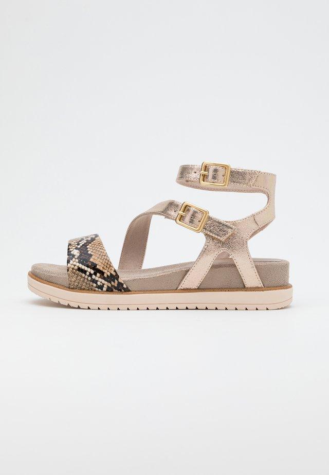 Sandales compensées - campagne