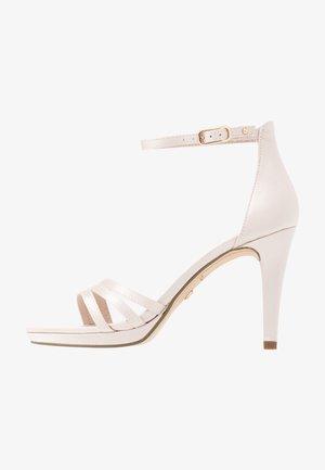 Højhælede sandaletter / Højhælede sandaler - champagne