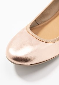 Tamaris - Ballet pumps - rose metallic - 2