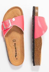 Tamaris - SLIDES - Domácí obuv - neon pink - 3