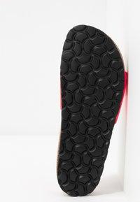 Tamaris - SLIDES - Domácí obuv - neon pink - 6