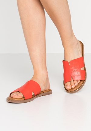 SLIDES - Pantofle - flame