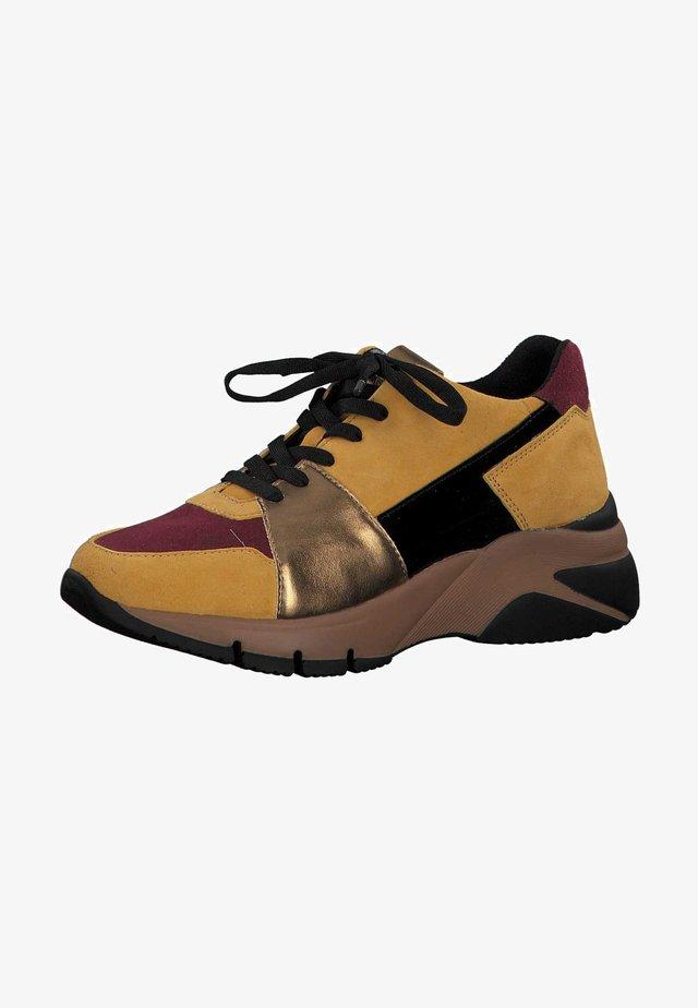 Sneakers - mustard comb 644