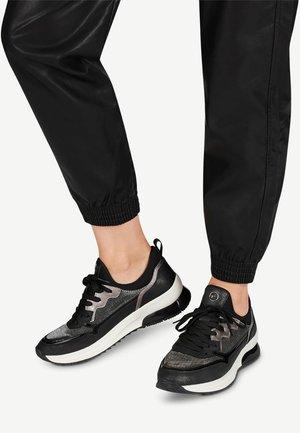 Sneaker low - black comb