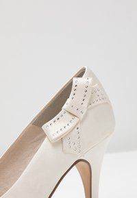 Tamaris - High Heel Pumps - ivory - 2