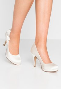 Tamaris - High Heel Pumps - ivory - 0