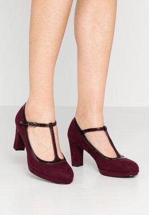 Classic heels - merlot