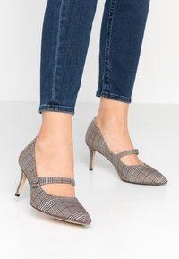 Tamaris - Classic heels - grey - 0