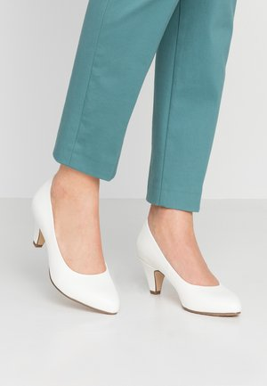 Pumps - white