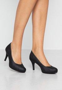 Tamaris - Classic heels - black glam - 0
