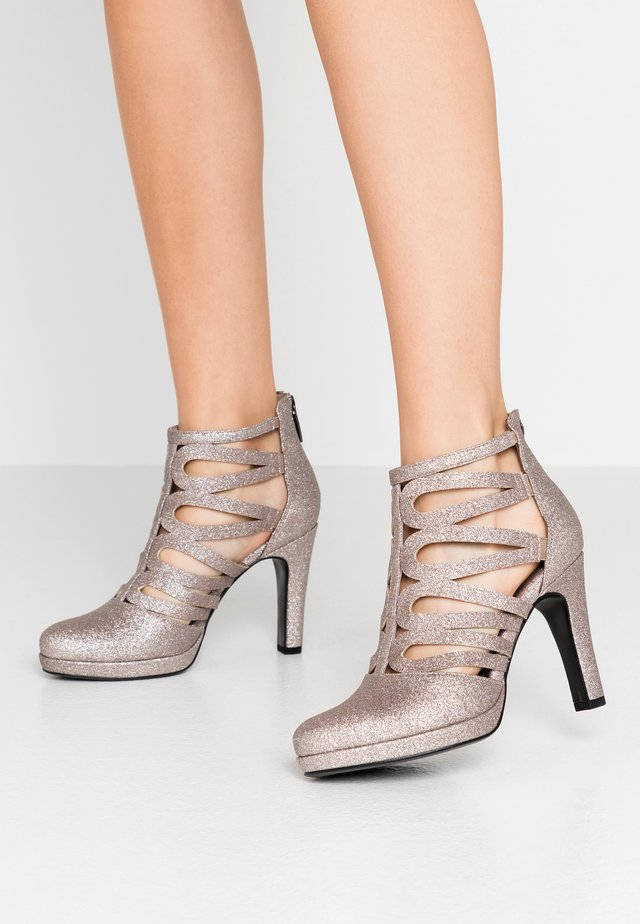 High Heel Stiefelette - space glam