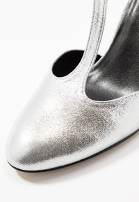 Tamaris - Klassieke pumps - silver - 2