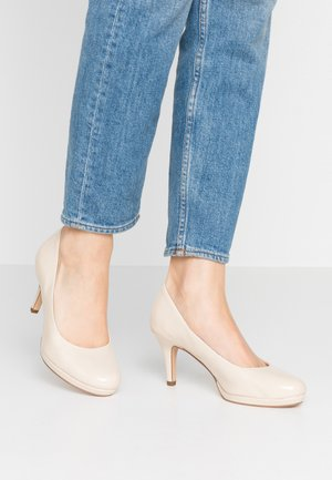 Pumps - cream