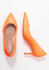 Tamaris - Tacones - orange neon - 3