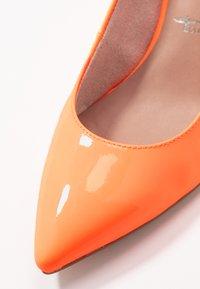 Tamaris - Tacones - orange neon - 2