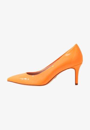 Classic heels - orange neon