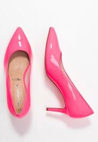 Tamaris - Tacones - pink neon - 3