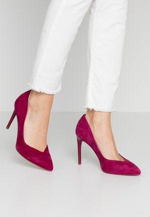 High heels - cranberry