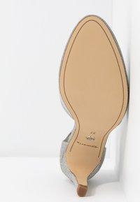 Tamaris - Classic heels - silver glam - 6