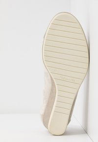 Tamaris - COURT SHOE - Kiler - dune metallic - 6