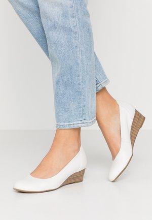 COURT SHOE - Sleehakken - white
