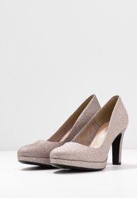 Tamaris - WOMS COURT SHOE - Zapatos altos - space glam - 4