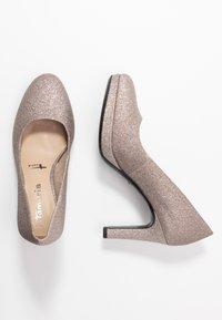 Tamaris - WOMS COURT SHOE - Zapatos altos - space glam - 3